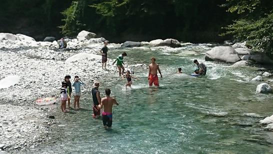 ウェルキャンプ西丹沢 川遊び